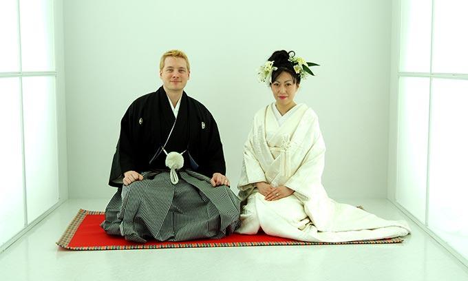 Larabie & Chikako